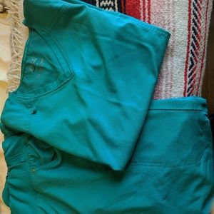 Cherokee I-flex scrubs teal color, fairly new